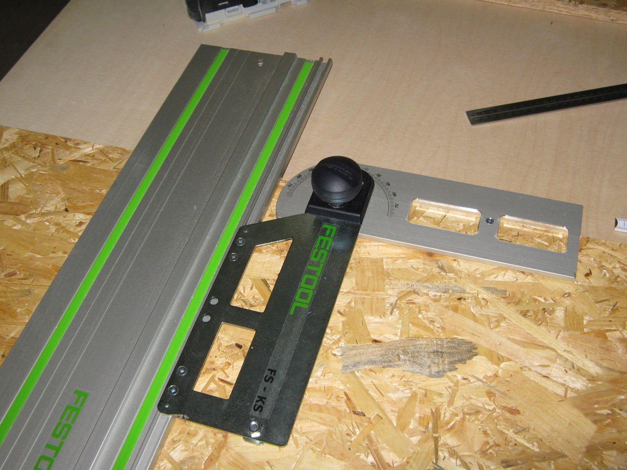 schrankbau im system32 teil 2 zuschnitt der holzplatten holz und leim. Black Bedroom Furniture Sets. Home Design Ideas