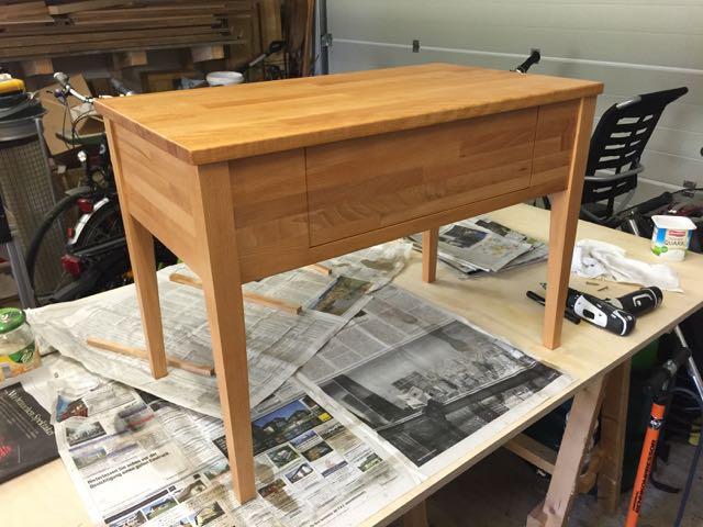kleiner tisch mit schublade trendy kleiner tisch illusion kleiner tisch kleiner mit schublade. Black Bedroom Furniture Sets. Home Design Ideas