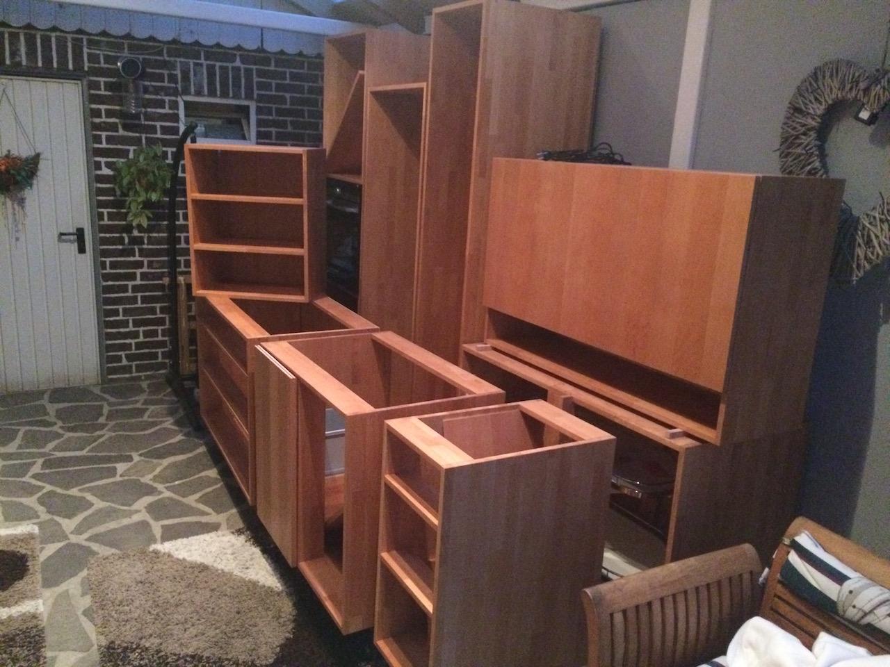 eine einbauk che aus massivholz holz und leim. Black Bedroom Furniture Sets. Home Design Ideas