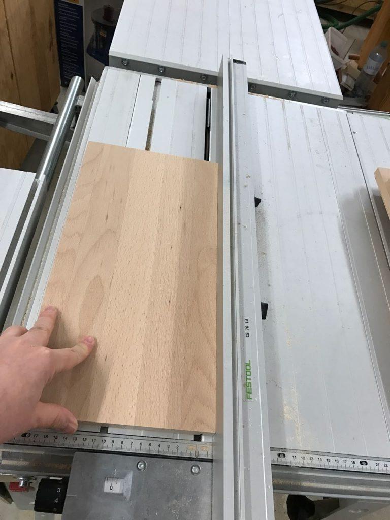 tv lowboard aus buche teil 3 schubladen bauen holz und leim. Black Bedroom Furniture Sets. Home Design Ideas