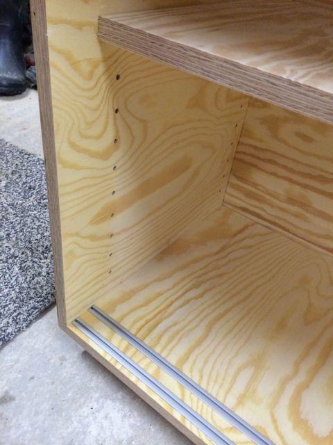 Häufig Kleines Sideboard mit Schiebetüren - Holz und Leim CN47